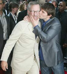 Tom Cruise Steven Party 12 11 2006.jpg